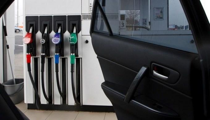 Ціни на бензин продовжують знижуватися