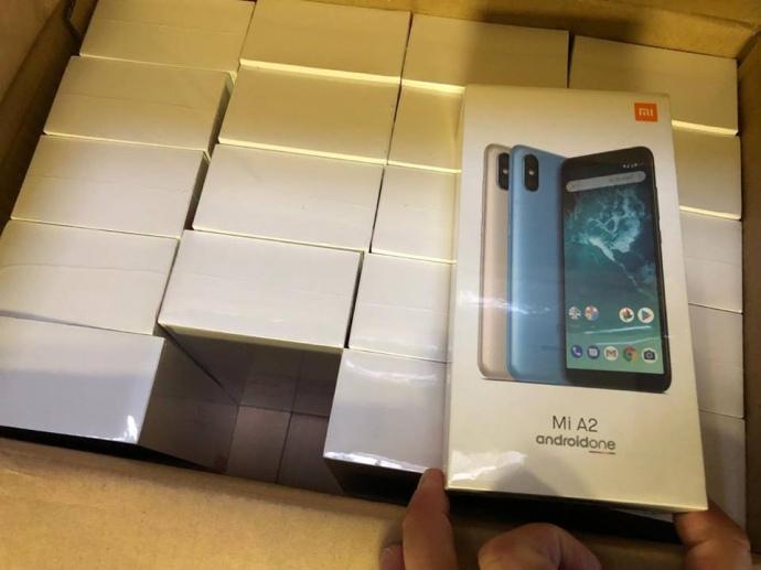 12 тысяч смартфонов пытались провезти в Украину как личные вещи — ГФС    Экономическая правда 1deda3f2d33