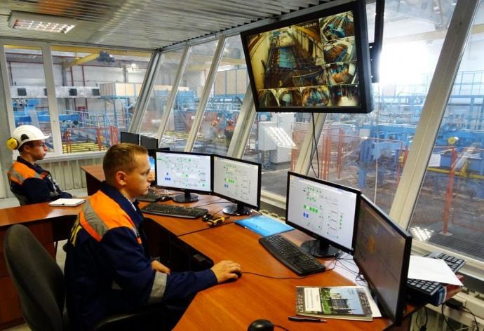 Управління всім виробничим процесом здійснюється з допомогою сучасної комп'ютерної техніки, що пильно контролює кожен етап виробництва