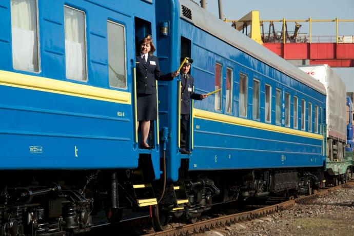 Впоездах «Укрзализныци» сейчас будет шумоизоляционный пол— Ковры впрошлом