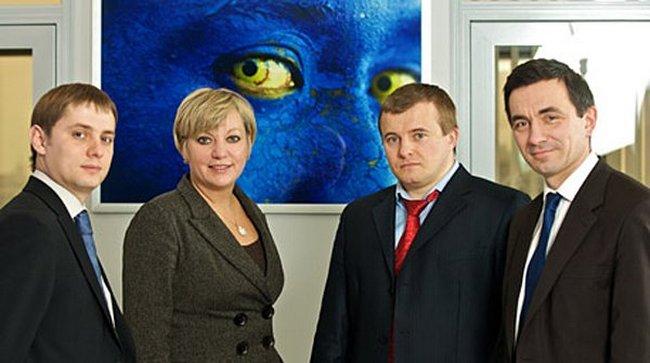 Слева от Валерии Гонтаревой сособственник, управляющий директор группы ICU, Константин Стеценко. Отвечает за торговые операции.