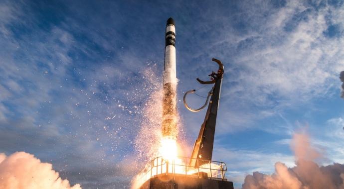 Второй запуск Rocket Lab Electron выведет три малых спутника на орбиту для ВВС США в конце апреля.