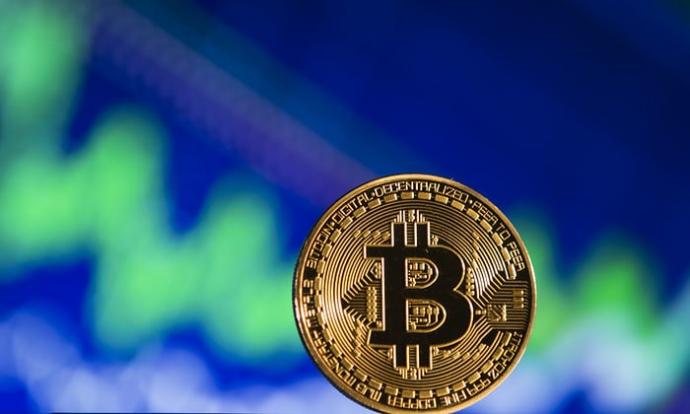 Курс Bitcoin подолав позначку в10 тис. доларів