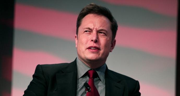Tesla відкликає 123 тисячі електромобілів