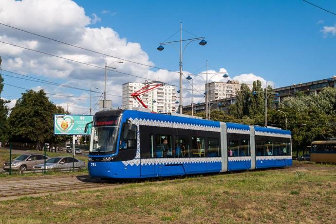 Трамвай Pesa на Кольцевой дороге