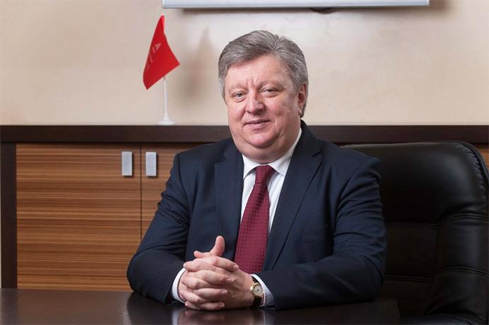Роман Шпек