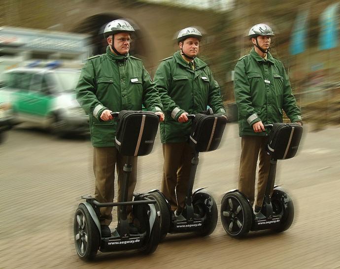 Німецька поліція на сігвеях