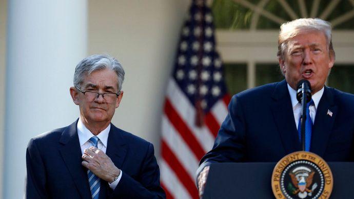 Голова ФРС Джером Пауелл та президент США Дональд Трамп