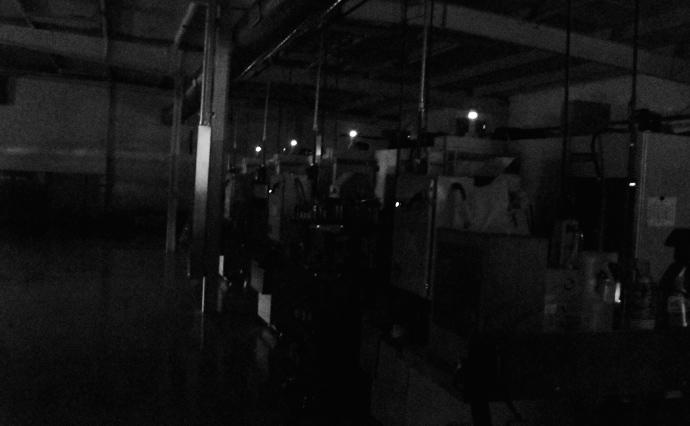 Роботи не потребують освітлення при роботі, його просто вимикають