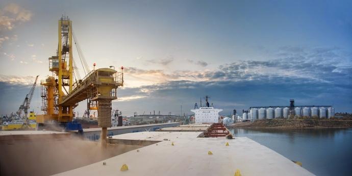 Завантаження зерна в Одеському порту