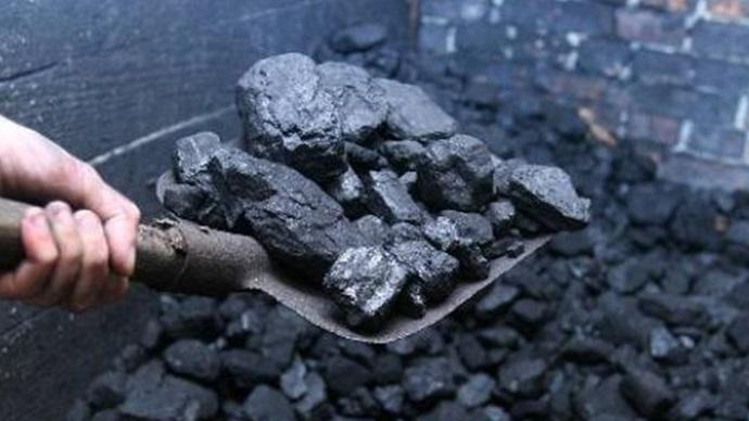 Уряд знову відтермінував введення мита на російське вугілля