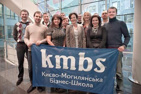 Учасники Presidents' MBA з Францискою Чуді, співвласницею та СЕО компанії Weidmann