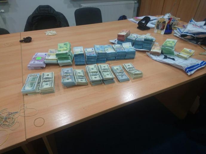 37-річний громадянин України в ніч на неділю намагався незаконно ввезти з Польщі до України через автомобільний пункт пропуску