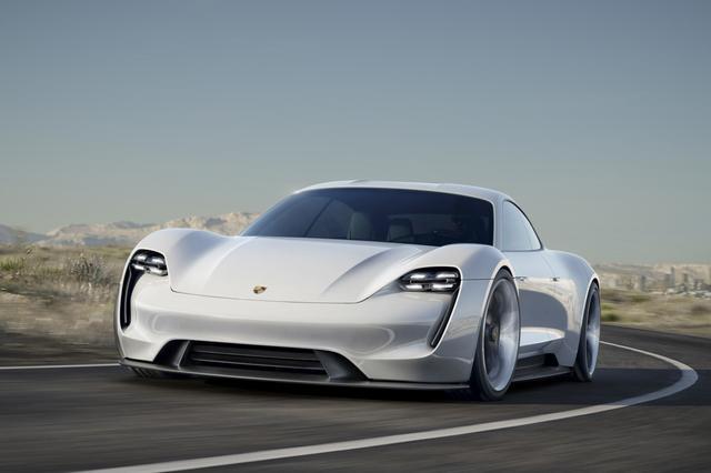В Porsche готовятся к серийному выпуску электрокаров