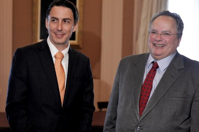 Амос Хохштайн (слева)