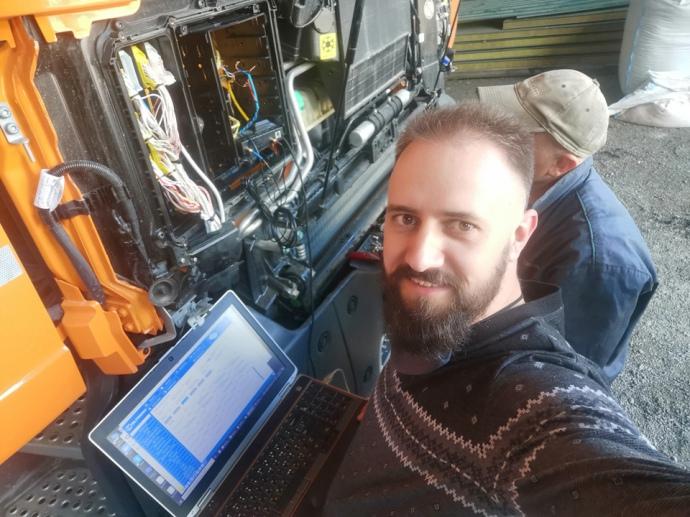 Встановлення GPS трекера, зчитування даних з CAN-шини автомобіля