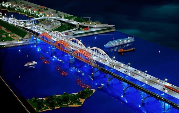Макет моста зі з'їздами на Дніпровську набережну