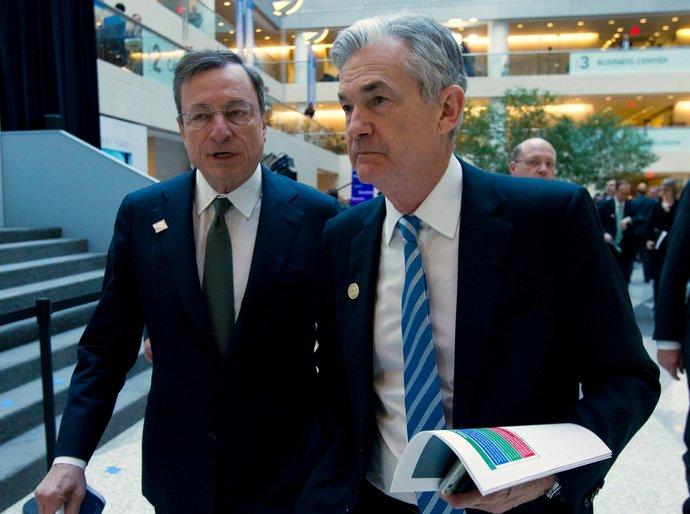 Глава ЕЦБ Марио Драги и глава ФРС Джером Пауэлл