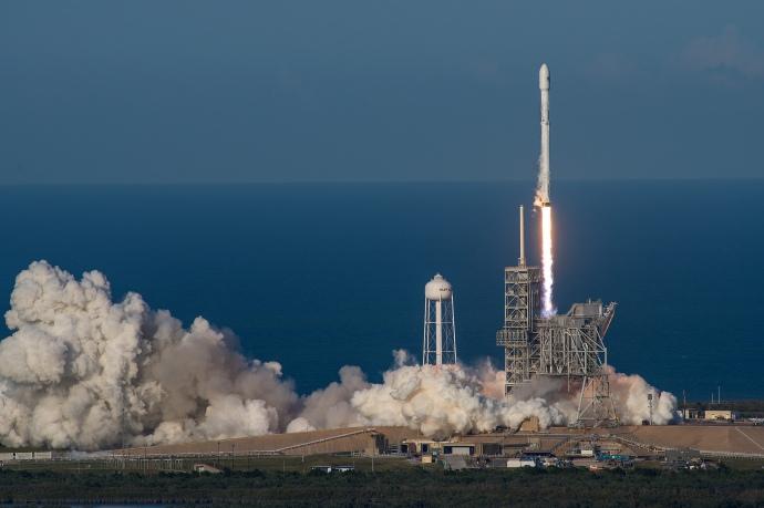 Маск анонсував подвійний запуск ракет Falcon 9
